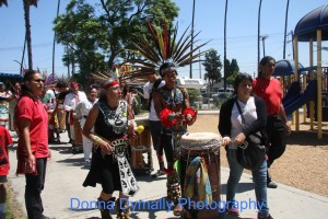 Danza Mexica Cuauhtemoc leading the march